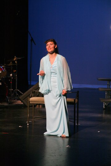 """Rachel singing """"Hopelessly Devoted to You"""" from Grease"""
